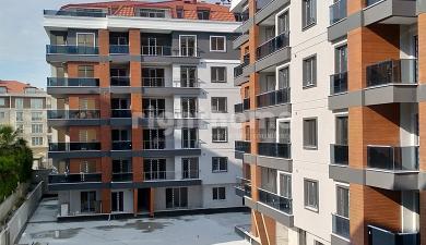 RH 385- Family apartments for sale in Beylikduzu