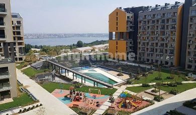 RH 154-Ready to move project with lake view and strategic location in Avcilar
